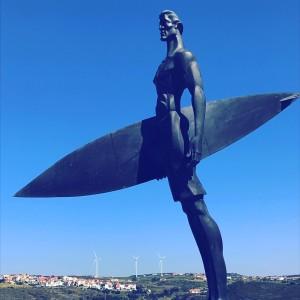 sculpturesurferMafra.creditmartinvaugeois